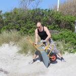 Sandet blev fjernet fra vendepladsen og nedgangen og anbragt hvor det hører hjemme.